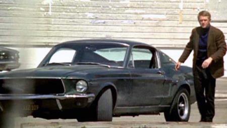 Bilentusiasten Steve McQueen spilte tittelrollen, og både han   og hans trimmede, grønne Mustang forknippes tett med filmen i ettertid.   Men Chargeren skal ha gått vel så bra, hevder enkelte kilder. (Foto:   imcdb.org)
