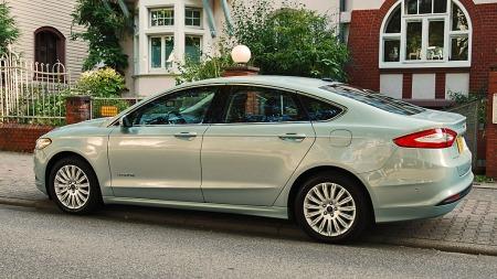Nye Fusion/Mondeo i sedanversjon er en lang og lav bil, der særlig fronten gir særpreg.