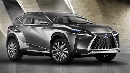 Slik ser Lexus-SUVen ut i konseptversjon, ingen tvil om at Lexus gjerne vil skille seg ut her!