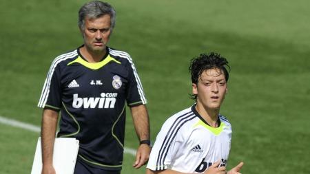STOR FAN: José Mourinho er en stor beundrer av Özil.