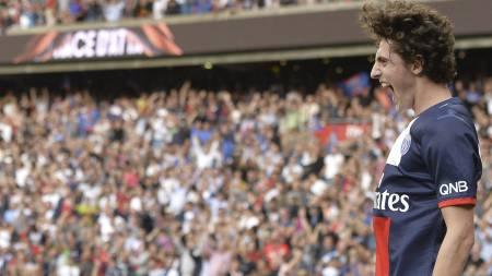 TALENT: 18 år gamle Adrien Rabiot har spilt seg inn på Paris Saint-Germains lag i høst. (Foto: MIGUEL MEDINA/Afp)