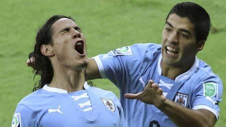 STJERNEDUO: Edinson Cavani og Luis Suarez må være på sitt beste dersom Uruguay skal ta seg til VM. (Foto: Andre Penner/Ap)