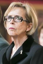 UTE: Forsvarsminister Anne-Grethe Strøm-Erichsen.  (Foto: NTB Scanpix)
