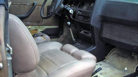 Etter en facelift i 1976 fikk den råeste versjonen av Renault   17 Gordini-betegnelse, motoren fra Renault 16 TX, og oppfrisket interiør   med blant annet nye sportsstoler. (Foto: eBay.com)