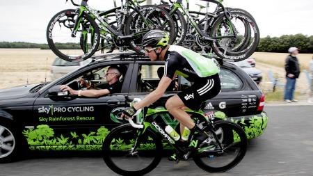 Sean Yates og Edvald Boasson Hagen under Tour de France i 2011. (Foto: Solum, Stian Lysberg, ©SLS)