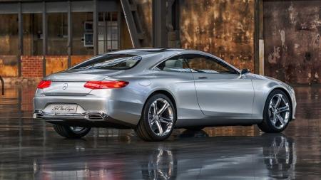 Mercedes er inne i en svært god design-periode og har rullet ut flere sporty modeller de siste par årene. S-klasse coupe føyer seg pent inn i rekken.