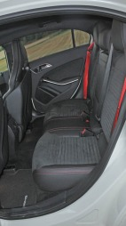 Mercedes A 45 AMG interiør bakseter 2