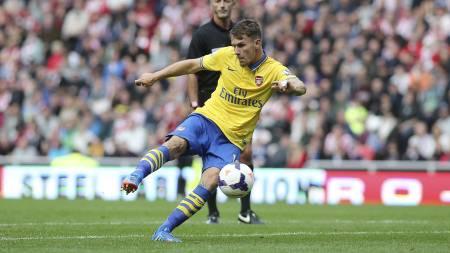 RAMSEY-SUSER: Aaron Ramsey dunker inn 2-1 for Arsenal på Stadium of Light. (Foto: Scott Heppell/Ap)