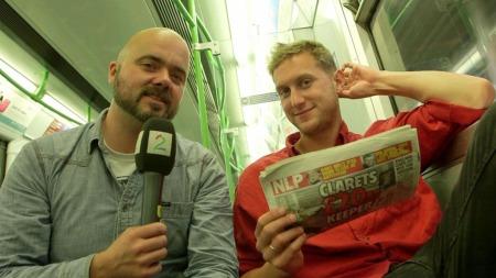 JAKTER PÅ FORECAST: Thomas Aune og Mathias Skarpaas jakter på en av verdenshistoriens dyreste keepere. (Foto: TV 2)