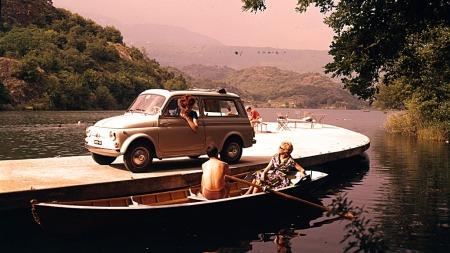 Reklamebilde fra tidlig 60-tall da bilen fortsatt var ny.  (Foto: Fiat)