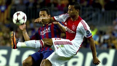BACKTALENT: Ricardo van Rhijn fører seg inn i rekken av store backtalenter som har kommet fra Ajax. (Foto: Joan Manuel Baliellas/Ap)