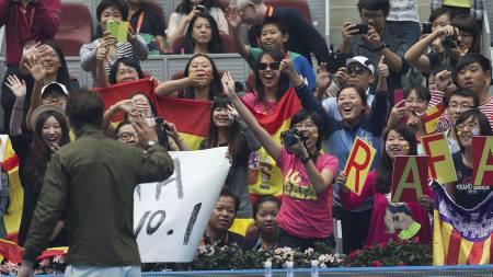 POPULÆR I KINA: Rafael Nadal tilbake på verdenstoppen etter kampen mot Tomás Berdych. (Foto: Andy Wong/Ap)