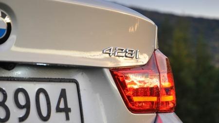 BMW 328i xDrive detalj emblem