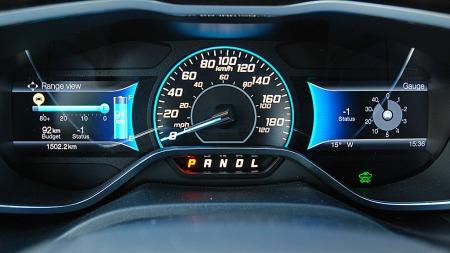 Her har du full oversikt på ståa både når det gjelder forbruk, batterikapasitet og rekkevidde. Å kjøre elbil inspirerer fort til å også kjøre mest mulig nøysomt.