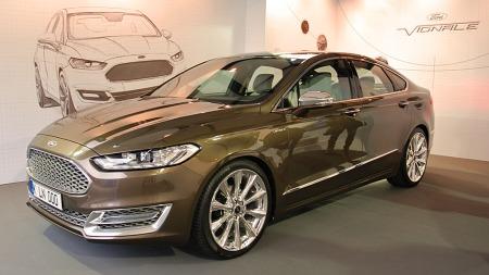 Mondeo er først ute i Ford nye Vignale-serie, men vi tar neppe veldig feil hvis vi tipper at en modell som S-Max ikke er langt etter i løypa.