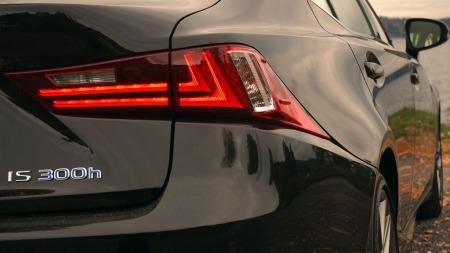 Lexus-IS300-H-baklykt (Foto: Benny Christensen)