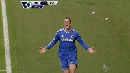 JUBLER FOR 2-1: Fernando Torres jubler etter å ha satt inn mål i det 90. minutt. (Foto: TV 2)
