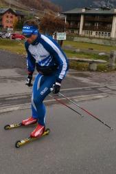 PÅ RULLESKI: Petter Northug i aksjon i Livigno. (Foto: Tord Kristian Sckanke/TV 2)