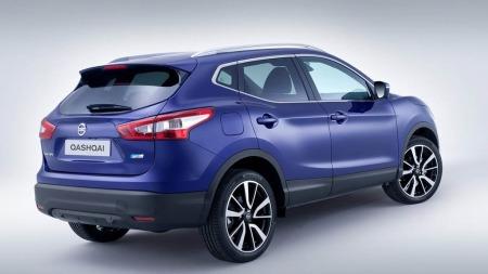 Nissan Qashqai lansering London blå bakfra