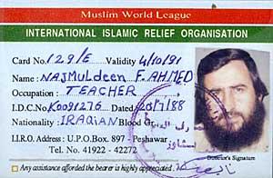Mulla Krekars identitetskort utstedt i 1991 av en muslimsk hjelpeorganisasjon   tilknyttet al-Qaida.