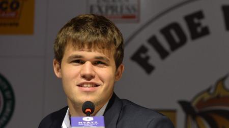 Magnus Carlsen (Foto: Manjunath Kiran, ©MK/az)
