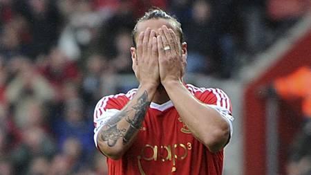 SKUFFELSE: Det er blitt mye bom i Southampton-trøyen for Pablo Dani Osvaldo. (Foto: Adam Davy/Pa Photos)