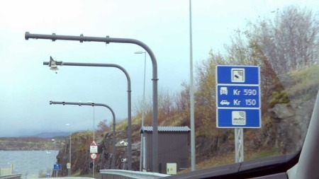 IKKE BILLIG: Pendler du gjennom Finnfast-tunnelen, er det mye å spare på å kjøre elbil. (Foto: Steinar Myhre/TV 2)