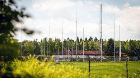 LYTTESTASJON: I flere tiår har Etterretningstjenesten hatt denne   lytte- og peilestasjonen i Akershus.