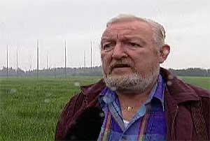 Den pensjonerte underdirektøren Einar Hanssen i Etterretningstjenesten   fortalte til TV 2 i 1997 om lytte- og peilestasjonen utenfor Jessheim.