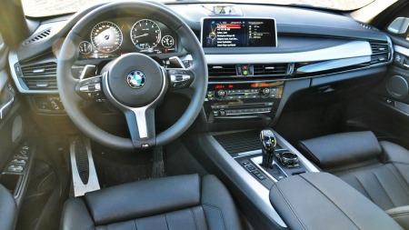 BMW X5 5.0i serie interiør foran