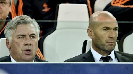 PÅ DRØMMELAGET: Zinedine Zidane, som Carlo Ancelotti trente i Juventus. (Foto: OLIVIER MORIN/Afp)