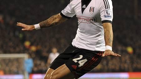 JUBLET FOR SCORING: Ashkan Dejagah scoret for Fulham, men det holdt ikke til poeng. (Foto: Nigel French/Pa Photos)