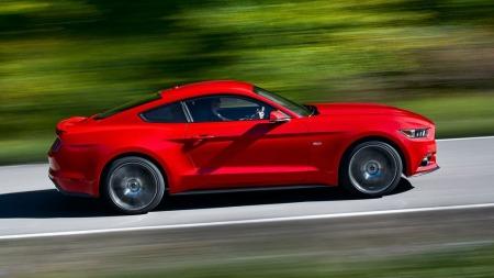 Raskere, penere, mer raffinert sier Ford selv om den Nye Mustangen.