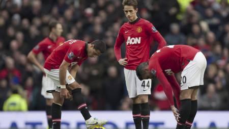 FORTVILTE UNITED-SPILLERE: Javier Hernandez, Adnan Januzaj og Yohan Cabaye fortviler etter Newcastles ledermål. (Foto: Jon Super/Ap)