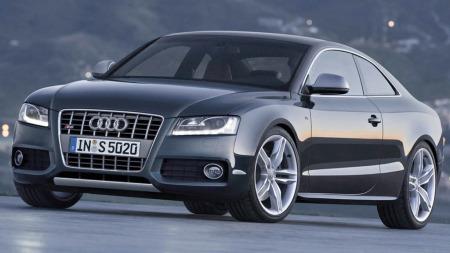 Audi S5 bilen