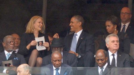 «Hvis blikk kunne drepe» er beskrivelsen Business Insider bruker av blikket til USAs førstedame på dette bildet.  (Foto: AFP PHOTO / ALEXANDER JOE)