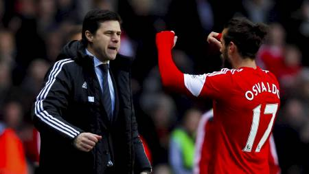 FEIRER: Osvaldo sammen med manager Mauricio Pochettino (Foto: Chris Ison/Pa Photos)