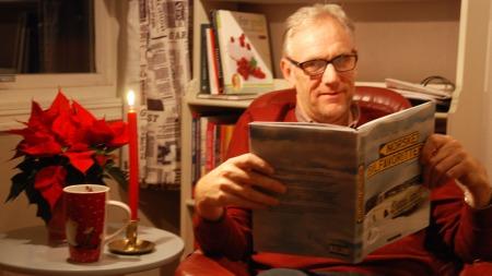 Men behøver ikke være spesielt bilinteressert for å ha glede av denne boka, sier Broom-Benny