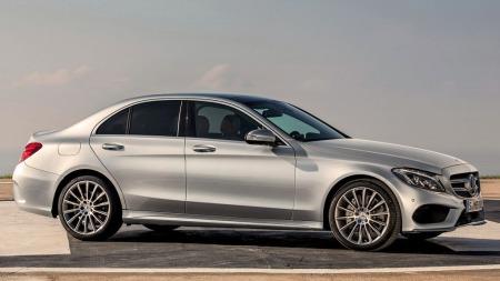 Mercedes C-klasse blir større og mer eksklusiv - samtidig som den blir hele 100 kilo lettere i ny generasjon.