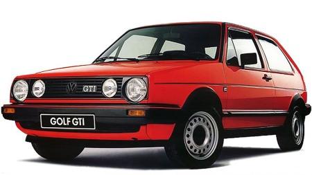 Rød VW Golf GTI. Det ble ikke så mye tøffere enn dette i 1984.