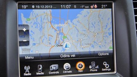 Den nye store skjermen er veldig bra - men ikke kartet til navigasjonen mangler en del på å måle seg med det google-maps og litt mer detaljerte 3D-kart som er i BMW og Audi.