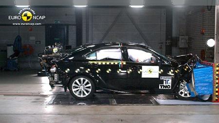 Lexus IS 300h. (Foto: Euro NCAP)
