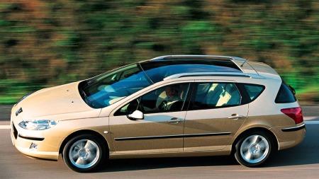 Peugeot 407 er veldig god å kjøre - på typisk fransk vis.