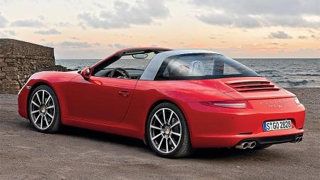 Den klassiske takløsningen kler absolutt den eller svært moderne bilen.
