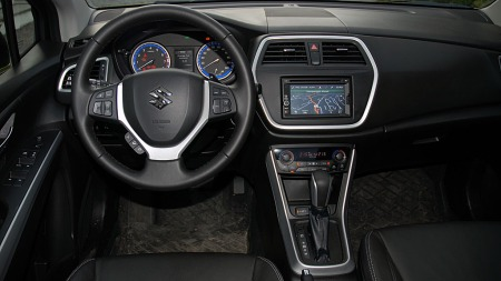 Suzuki-S-Cross-dash02 (Foto: Benny Christensen)