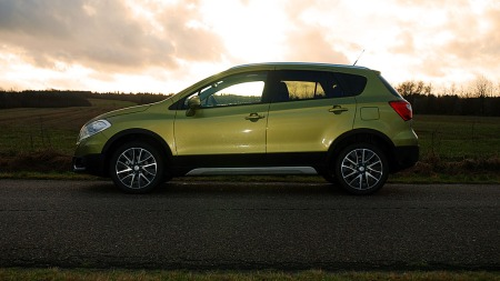 Suzuki-S-Cross-side-sol (Foto: Benny Christensen)