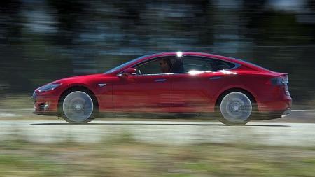 Tesla er den store kometen i bilbransjen akkurat nå - og ingen kjøper flere enn oss nordmenn.