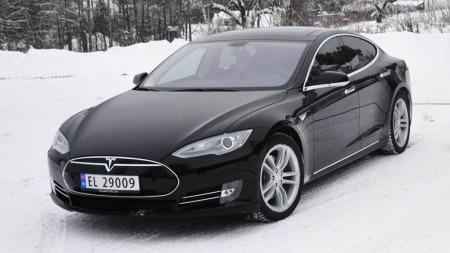 Tesla Model S ble et stadig mer vanlig syn på norske veier utover høsten 2013.