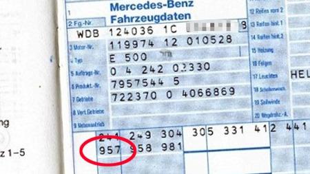 Flere E500er ble send tilbake til AMG for å få E60-spesifikajsoner da dette tilbudet kom. Men optionkoden 957 på databladet i serviceheftet viser at dette er en av de 12 som ble bestilt ny i denne versjonen. (Foto: Finn.no)