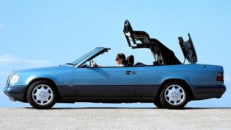 Cabriolet-varianten av coupé-karosseriet kom som en overraskelse på mange, men den svært velbygde cabrioleten var nok ment som en litt større og litt mer